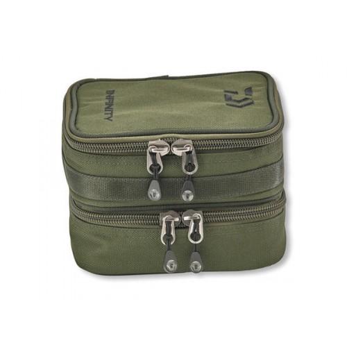 Daiwa Infinity Double Accessory Case szerelékes táska